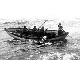 The grim task of recovering bodies from one of Minia's boats
